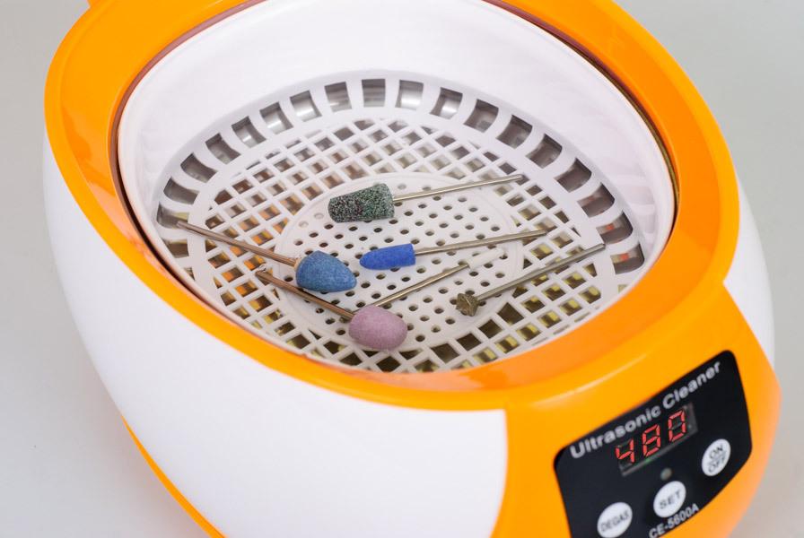 предметы в ультразвуковой ванне